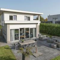 Elegant Holiday Home in Zeewolde with Terrace