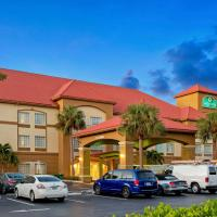 La Quinta by Wyndham Fort Myers Airport, hotel near Southwest Florida International Airport - RSW, Fort Myers