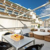 OPEN SKIES- PENTHOUSE IN PLAKA- ACROPOLIS VIEW!