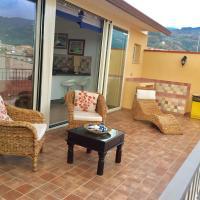 Holiday Nizza House, hotel in Nizza di Sicilia