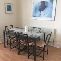 Jesmond two bedroom apartment with free parking