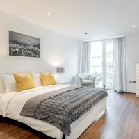 London Royal Docks Guesthouse by LUXHABITAT