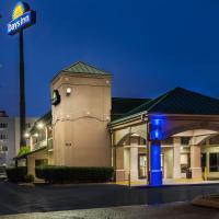 Days Inn by Wyndham Clarksville North EXIT 4