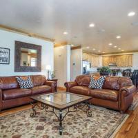 Lakefront Huntsville, Utah Lodging Option - 3 Bedroom Sleeps 10