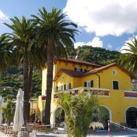 Villa Eva Beach, отель в Вентимилье