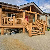 Whispering Pines Cabin with Pool, Lake and Golf Access!, hotel em Pine Lake