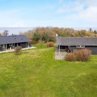 Three-Bedroom Holiday home in Allinge 2, hotel i Allinge