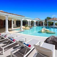 La Salamandre - 6 Bedroom lagoon front villa in Terres Basses