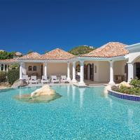 La Salamandre 5 - Lagoon front villa in Terres Basses with massive pool