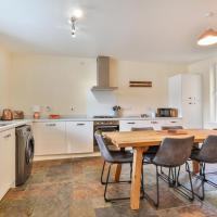 Exclusive - Stunning City Centre House! Parking