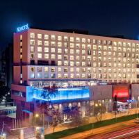 Novotel Pune Viman Nagar Road, hotel in Pune