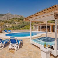 Serene Holiday Home in Callosa d' Ensarria with Private Pool, hotel in Callosa d'en Sarrià