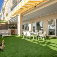 Apartamentos LOLA y MANUELA en primera línea playa Carihuela con excelente Terraza-jardin de 80 m2 frente al Mar con aparcamiento privado Ideal para descansar oyendo las olas del Mar