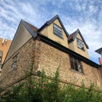 Grade II Listed Cottage in Norwich Sleeps 4