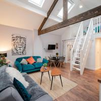 Air Host and Stay - Apartment 2 Broadhurst Court sleeps 6 minutes from town centre