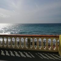 A picco sul mare, hotel in Marina