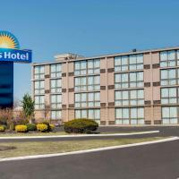 Days Hotel by Wyndham Toms River Jersey Shore, hotel in Toms River