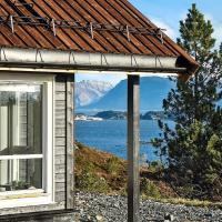 Holiday home Kalvåg