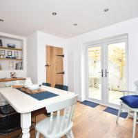 Gorgeous, pet friendly, 3 bed cottage with parking