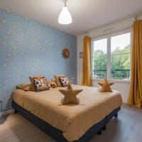 Toy Story Home Next To Disneyland Paris, hotel in Montévrain