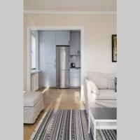 Revamped Apt in quiet and lovely Area, hotell i Solna