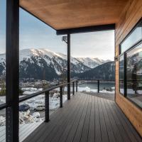 New Custom Built Mountain View Retreat - Juneau