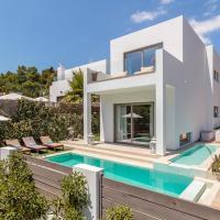 Exclusive 4 Bedroom Villa minutes from the Beach, Ibiza Villa 1010