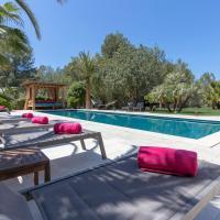 Beautiful 5 Star Villa with Private Pool, Ibiza Villa 1040