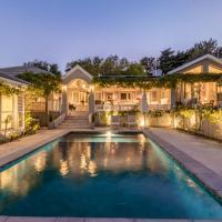 Stunning, Charming & Luxury Villa in Constantia