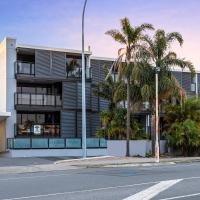 Rooftop Retreat - Mount Maunganui Holiday Home