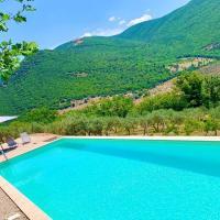 Luxury Silvignano Poolside Villa, Spoleto 8 km, Rome 1 Hr, hotel v destinácii Poreta