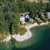 Luxury Private Beach Retreat Villa, hotel em Lions Bay