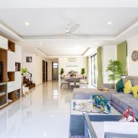 Cozy family living modern pool villa near beach