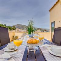 Pollenca Holiday Home Sleeps 5 with Air Con and WiFi