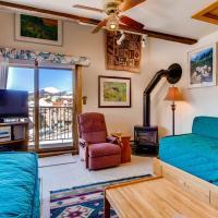 Ski-in Ski-out Studio Private Balcony & Fireplace condo