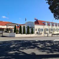 Brougham Heights Motel