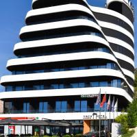 Yacht Hotel, hotel in Vlorë