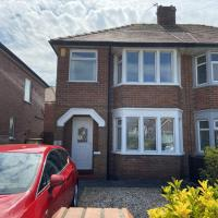 Hectors-Dog friendly, close to beach and Blackpool-sleeps 5