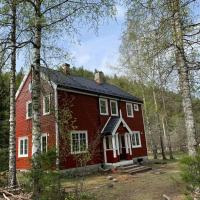 Charming new holiday-apartment in Valebø, Skien, hotell i Skien