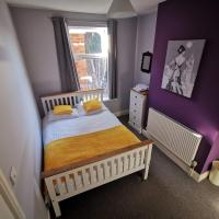 K Stunning 5 Bed Sleeps 8 Families Workers by Your Night Inn Group