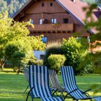 Gutshof Wolfgangsee Resort & Event Hotel, Hotel in Strobl