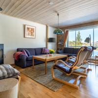 Three-Bedroom Holiday Cottage