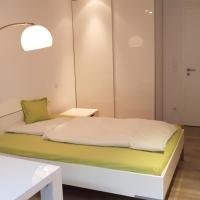 Room in 2-room flat, modern and nice