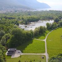Swiss Lake Lodge, hotel in Noville