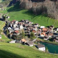 Ferienwohnung ob Vierwaldsättersee, hotel in Isenthal