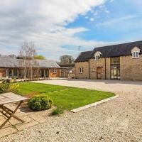 Collection of five spacious barns near Faringdon, hotel in Faringdon