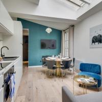 141 Suite Klein, townhouse style APT, Marais, Paris