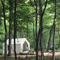 Tentrr - Creekside Zen in the Catskills, hotel in Cooksburg