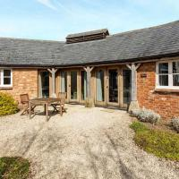 Classic Cotswolds Home near Littleworth, hotel in Faringdon