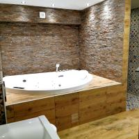 Canti jacuzzi apartments